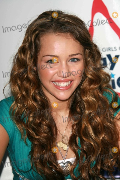 """Miley Cyrus, The National Photo - Miley Cyrusat the National Boys and Girls Club """"Day for Kids"""". Santa Monica Pier, Santa Monica, CA. 09-16-06"""