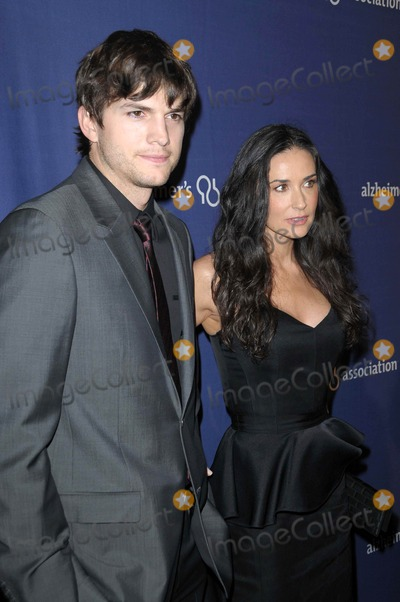 Ashton Kutcher, Demi Moore Photo - Ashton Kutcher and Demi Moore