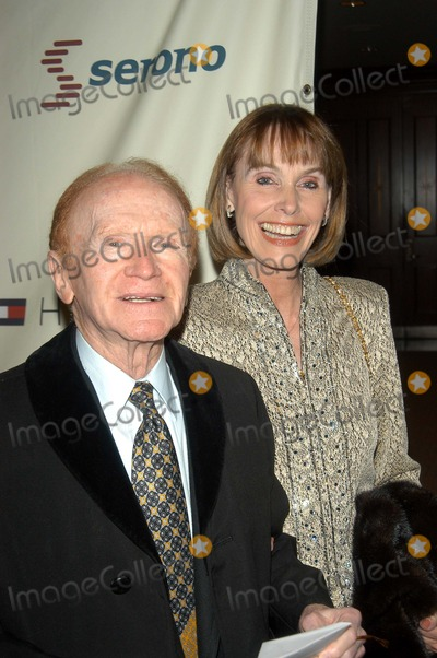 Red Buttons Photo - Red Buttons and Victoria Jolson at the 10th Annual Race To Erase MS, Century Plaza Hotel, Century City, CA 05-09-03