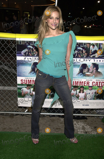"""Brittany Murphy Photo -  BRITTANY MURPHY at the premiere of Warner Brother's """"Summer Catch"""" at Mann's Village Theater, Westwood, 08-22-01"""