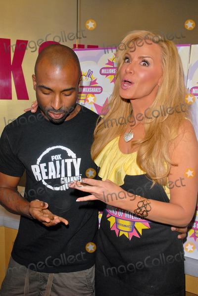 Kardashian's milkshake date causes a stir in Bahrain