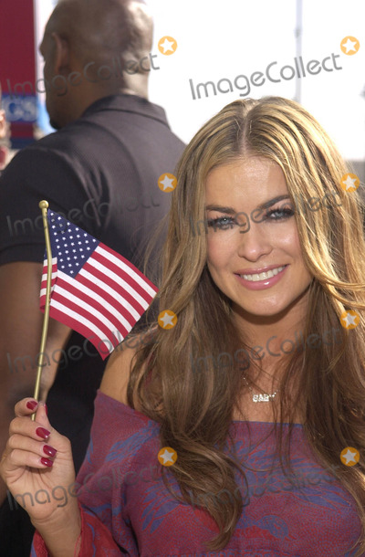 "Carmen Electra, 911, Tragedie Photo -  CARMEN ELECTRA at the celebrity recording of ""We Are Family"" to benefit the victims of New York's 9-11 tragedy, 09-23-01"