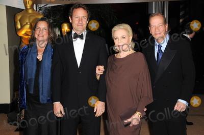 Photos and Pictures - Leslie Bogart, Sam Robards, Lauren ...