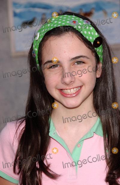 "Anne Nelson Photo - Hailey Anne Nelsonat the premiere of ""Eight Below"". El Capitan, Los Angeles, CA 02-12-06"