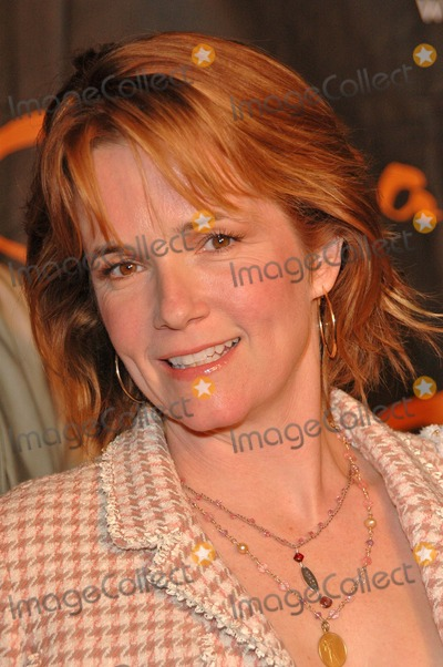 Lea Thompson, Léna Jam-Panoï Photo - Lea Thompson at the Opening Night of Cavalia: A Magical Encounter Between Horse and Man, Santa Monica Pier, Santa Monica, CA 11-10-04
