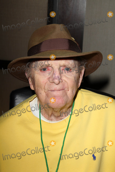 Photo - Fredd Wayne at the Hollywood Show Featuring Stars of the Twilight Zone, The Westin Los Angeles Airport, Los Angeles, CA 04-12-14
