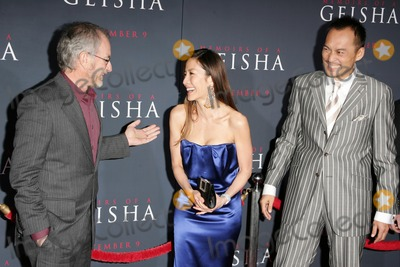 Ken Watanabe, Michelle Yeoh, Steven Spielberg Photo - Steven Spielberg with Michelle Yeoh and Ken Watanabe