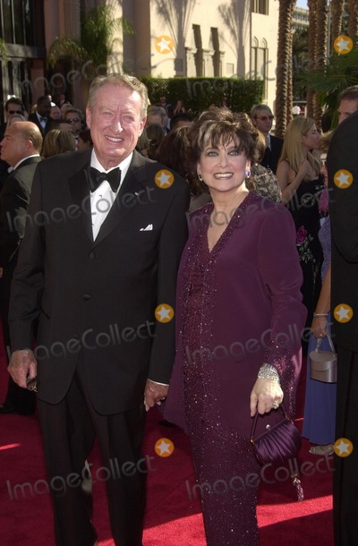 Suzanne Pleshette Photo - Tom Posten and Suzanne Pleshette at tghe 54th Annual Emmy Awards, Shrine Auditorium, Los Angeles, CA 09-22-02