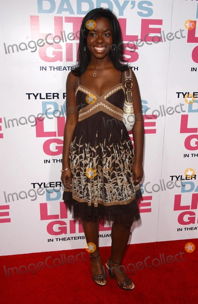 """Camille Winbush Photo - Camille Winbushat the premiere of """"Daddy's Little Girls"""". Cinerama Dome, Hollywood, CA. 02-07-07"""