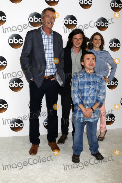 Neil Flynn, Atticus Shaffer, Eden Sher Photo - Neil Flynn, Charlie McDermott, Atticus Shaffer, Eden Sher at the ABC TCA Summer Preview Party, Beverly Hilton, Beverly Hills, CA 08-06-17