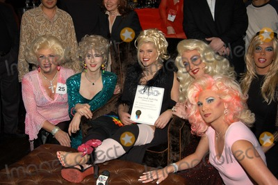 """Anna Nicole Smith, Queen, The Cast Photo - Anna Nicole Smith and Drag Queen Look-A-Likes at The Abbey in West Hollywood for both the proclamation of """"Anna Nicole Smith Day"""" and the casting of drag queen Anna look-a-likes for the movie """"Wasabi Tuna"""" 02-18-03"""