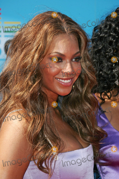 Beyonce Photo - Beyonce at the 2005 BET Awards - Arrivals, Kodak Theatre, Hollywood, CA 06-28-05