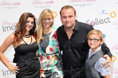 Cinderella, Anna Maria Perez de Taglé, Hüsker Dü, Isaach De Bankolé Photo - David DeLuise and family