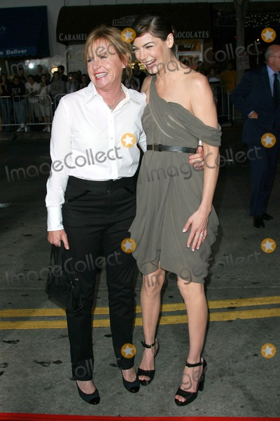 """Amy Madigan, Michelle Monaghan, Maná Photo - Amy Madigan and Michelle Monaghanat the premiere of """"Gone Baby Gone"""". Mann Bruin Theatre, Westwood, CA. 10-08-07"""