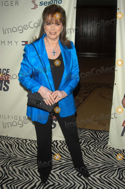 Jackie Collins Photo - Jackie Collins at the 10th Annual Race To Erase MS, Century Plaza Hotel, Century City, CA 05-09-03