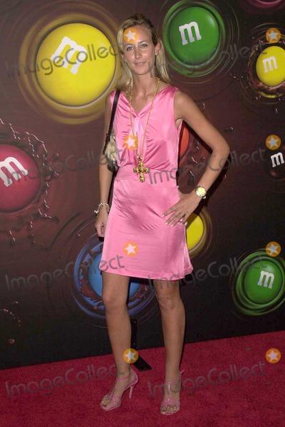 Lady Victoria Hervey, Victoria Hervey Photo - Lady Victoria Hervey at the Experience The Color Of M&M's at The M&M's Brand City, Hollywood, CA. 03-11-04