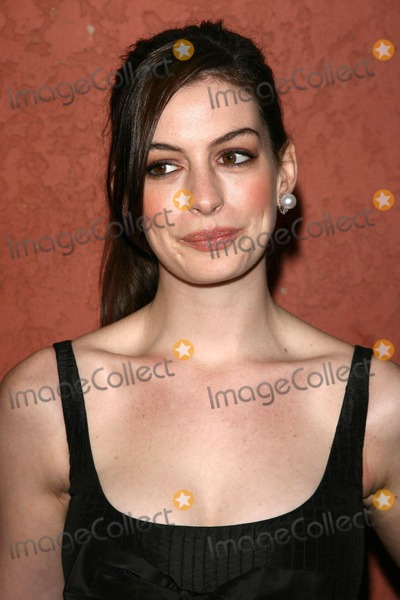 Anne Hathaway, Ann Hathaway Photo - Anne Hathaway