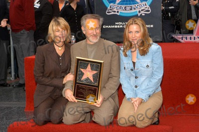 Kate Capshaw, Steven Spielberg, Jessica Capshaw, Jessica Paré Photo - Kate Capshaw, Steven Spielberg and Jessica Capshaw at Spielberg's induction ceremony into the Hollywood Walk of Fame, Hollywood Blvd, CA 01-10-03