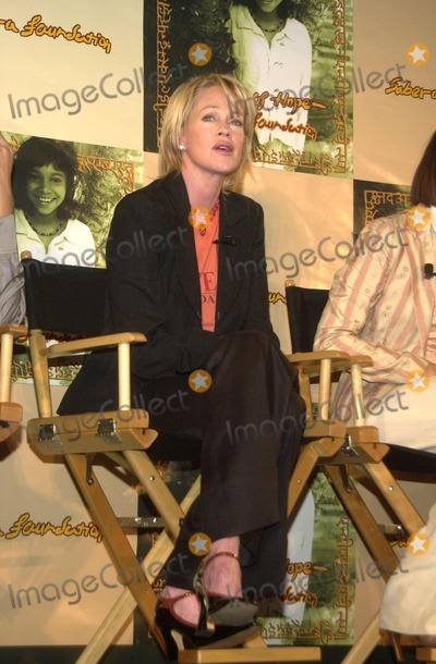 Melanie Griffith, Melanie Griffiths Photo - Melanie Griffith at the Sabera Foundation Press Conference, helping children and wives in India who have been abandoned, CAA, Beverly Hills, CA 10-10-02