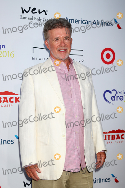 Alan Thicke, Hollies, Sugar Ray, Sugar Ray Leonard, The Hollies Photo - LOS ANGELES - JUL 16:  Alan Thicke at the HollyRod Presents 18th Annual DesignCare at the Sugar Ray Leonard's Estate on July 16, 2016 in Pacific Palisades, CA