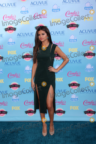 Gomez, Selena Gomez Photo - LOS ANGELES - AUG 11:  Selena Gomez at the 2013 Teen Choice Awards at the Gibson Ampitheater Universal on August 11, 2013 in Los Angeles, CA