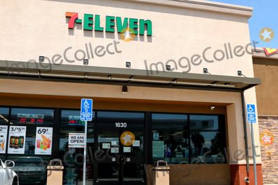 San Bernardino Photo - LOS ANGELES - APR 11:  7-Eleven Store at the Businesses reacting to COVID-19 at the Hospitality Lane on April 11, 2020 in San Bernardino, CA