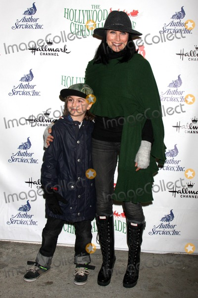 Leon, Rena Sofer Photo - LOS ANGELES - NOV 30:  Avalon Leone Bookstaver, Rena Sofer at the 2014 Hollywood Christmas Parade at the Hollywood Boulevard on November 30, 2014 in Los Angeles, CA