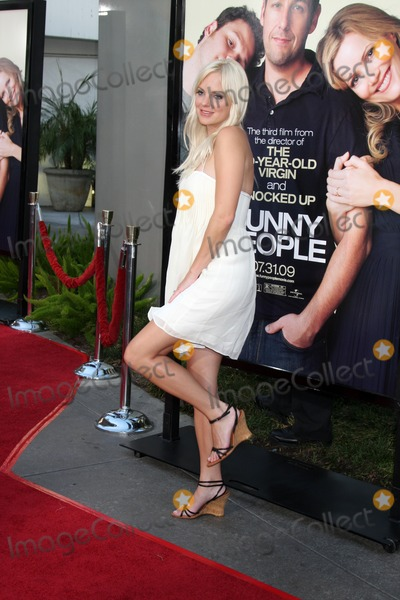 "Anna Faris, Anna Maria Perez de Taglé Photo - Anna Faris arriving at the ""Funny People""  World Premiere at the ArcLight Hollywood Theaters in Los Angeles,  CA   on July 20, 2009"