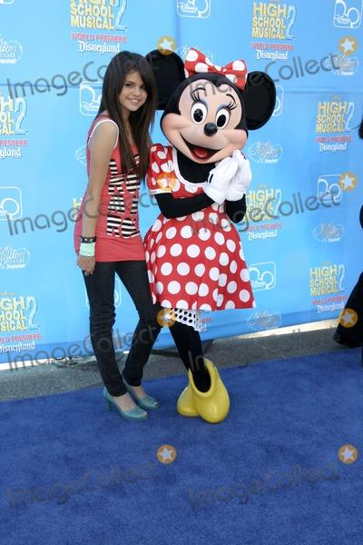 "Gomez, Selena Gomez Photo - Selena Gomez""High School Musical 2"" PremiereAMC Theaters - Downtown DisneyAnaheim, CAAug 14, 2007"