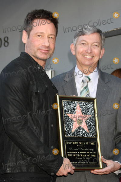 David Duchovny, Leron Gubler Photo - LOS ANGELES - JAN 25:  David Duchovny, Leron Gubler at the David Duchovny Hollywood Walk of Fame Star Ceremony at the Fox Theater on January 25, 2016 in Los Angeles, CA