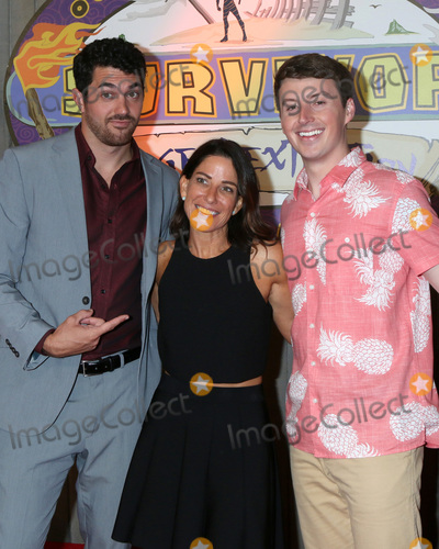 """Edge Photo - LOS ANGELES - MAY 15:  Chris Underwood, Julie Rosenberg, Gavin Whitson at the """"Survivor: Edge of Extinction"""" Finale at the CBS Radford on May 15, 2019 in Studio City, CA"""