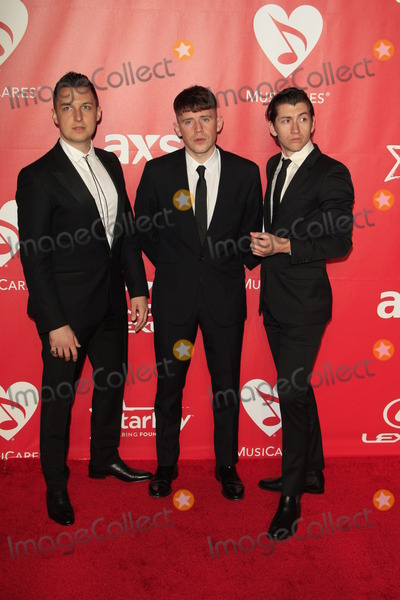 Arctic Monkeys Photo - LOS ANGELES - FEB 6:  Arctic Monkeys at the MusiCares 2015 Person Of The Year Gala at a Los Angeles Convention Center on February 6, 2015 in Los Angeles, CA