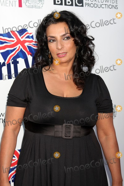 Alice Amter Photo - LOS ANGELES - APR 26:  Alice Amter arriving at the 5th Annual BritWeek Launch Party at British Consul General's residence on April 26, 2011 in Los Angeles, CA