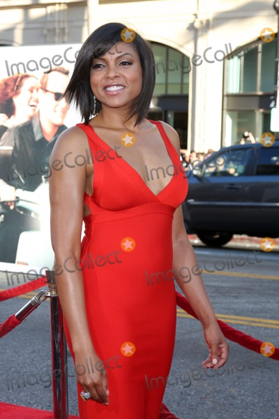 "Taraji P Henson, Taraji P. Henson, Taraji Henson, Vanessa Larré Photo - LOS ANGELES - JUN 27:  Taraji P. Henson arriving at the ""Larry Crowne"" World Premiere at Chinese Theater on June 27, 2004 in Los Angeles, CA"