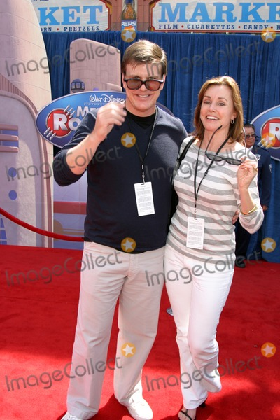 "Alex Donnelly Photo - Alex Donnelly & Escort, ""Meet the Robinson's"" World PremiereEl Capitan TheaterLos Angeles, CAMarch 25, 2007"