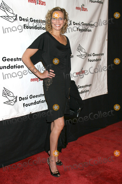 Arianne Zuker Photo - Arianne Zuker arriving at the Desi Geestman Foundataion Annual Evening with the Stars at the Universal Sheraton Hotel in Los Angeles, CAOctober 11, 2008