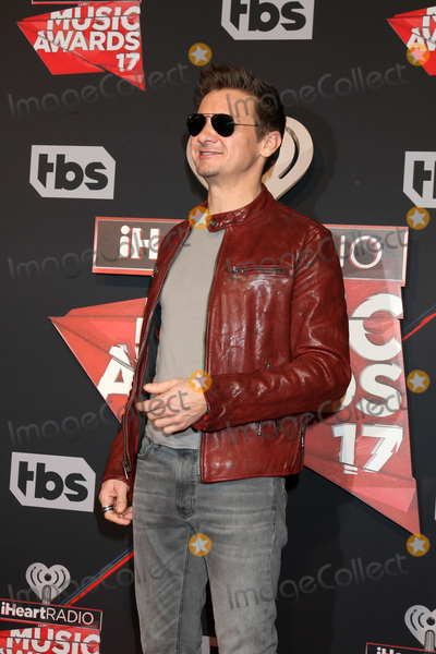 Jeremy Renner Photo - LOS ANGELES - MAR 5:  Jeremy Renner at the 2017 iHeart Music Awards at Forum on March 5, 2017 in Los Angeles, CA