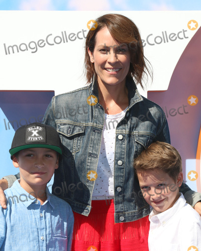 "Annabeth Gish Photo - LOS ANGELES - SEP 17:  son, Annabeth Gish at the ""Storks"" Premiere at the Village Theater on September 17, 2016 in Westwood, CA"