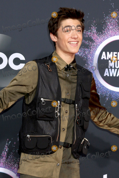 Asher Angel Photo - LOS ANGELES - NOV 24:  Asher Angel at the 47th American Music Awards - Arrivals at Microsoft Theater on November 24, 2019 in Los Angeles, CA