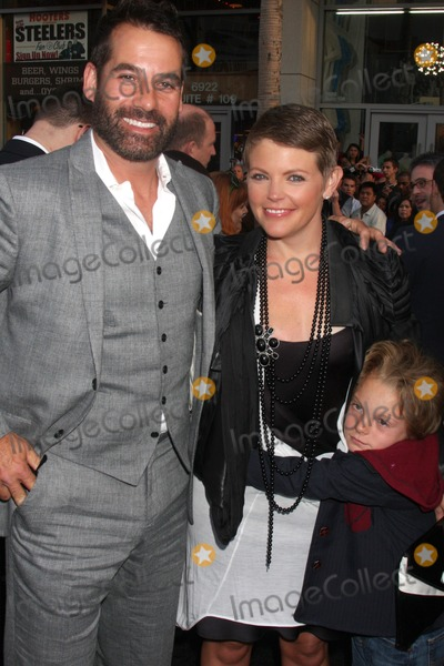 """Adrian Pasdar, Natalie Maines Photo - Adrian Pasdar, Natalie Maines , son arriving at the """"Star Trek"""" Premiere at Grauman's Chinese Theater in Los Angeles, CA on April 30, 2009"""