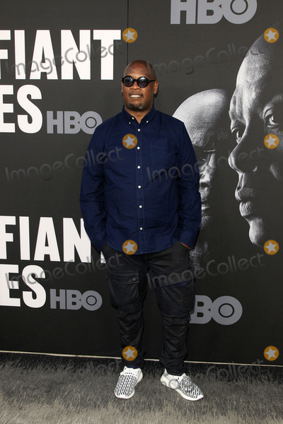 """Andre Harrell Photo - LOS ANGELES - JUN 22:  Andre Harrell at """"The Defiant Ones"""" HBO Premiere Screening at the Paramount Theater on June 22, 2017 in Los Angeles, CA"""