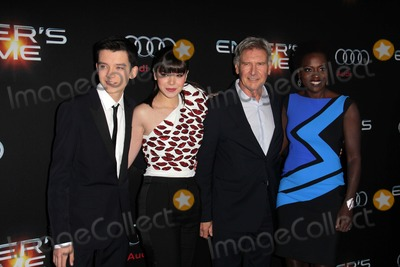"Hailee Steinfeld, Harrison Ford, Viola Davis, Asa Butterfield Photo - LOS ANGELES - OCT 28:  Asa Butterfield, Hailee Steinfeld, Harrison Ford, Viola Davis at the ""Ender's Game"" Los Angeles Premiere at TCL Chinese Theater on October 28, 2013 in Los Angeles, CA"