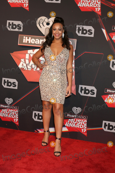 Nia Sious Photo - LOS ANGELES - MAR 5:  Nia Sious at the 2017 iHeart Music Awards at Forum on March 5, 2017 in Los Angeles, CA