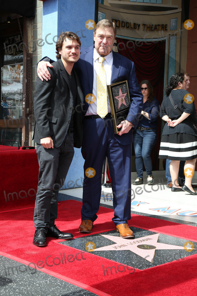 Emile Hirsch, John Goodman Photo - LOS ANGELES - MAR 10:  Emile Hirsch, John Goodman at the John Goodman Walk of Fame Star Ceremony on the Hollywood Walk of Fame on March 10, 2017 in Los Angeles, CA