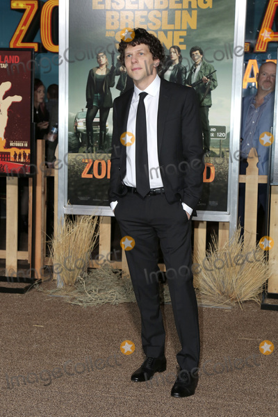 "Jesse Eisenberg Photo - LOS ANGELES - OCT 11:  Jesse Eisenberg at the ""Zombieland Double Tap"" Premiere at the TCL Chinese Theater on October 11, 2019 in Los Angeles, CA"