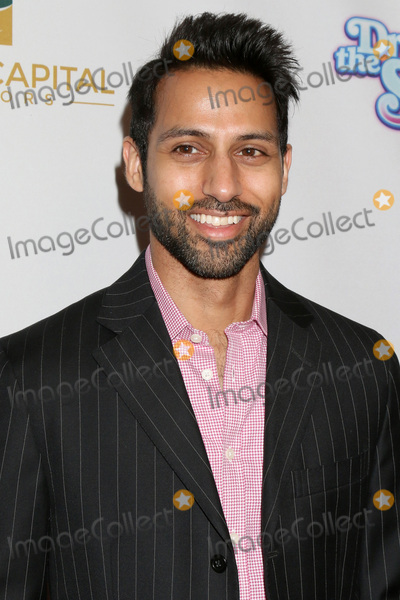 """Aly Mawji Photo - LOS ANGELES - MAR 7:  Aly Mawji at the """"Dropping the Soap"""" Premiere at Writer's Guild Theater on March 7, 2017 in Beverly Hills, CA"""