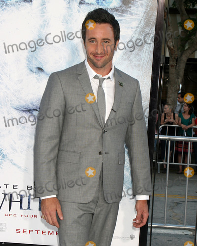 "Alex O'Loughlin Photo - Alex O'Loughlin arriving at the ""Whiteout"" Premiere at the Mann's Village Theater in Westwood, CA on September 9, 2009"