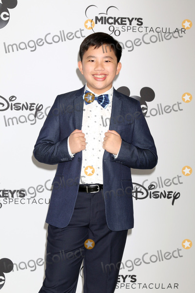 Albert Tsai Photo - LOS ANGELES - OCT 6:  Albert Tsai at the Mickey's 90th Spectacular Taping at the Shrine Auditorium on October 6, 2018 in Los Angeles, CA