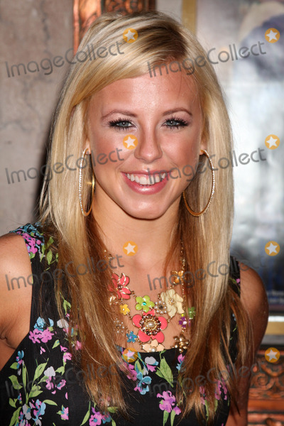 """Chelsea Hightower Photo - Chelsea Hightower arriving at the Grand Opening of """" Legally Blonde"""" at the Pantages Theater in Hollywood, CA  on August 14,  2009"""