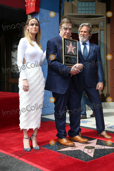 Brie Larson, Jeff Bridges, John Goodman Photo - LOS ANGELES - MAR 10:  Brie Larson, John Goodman, Jeff Bridges at the John Goodman Walk of Fame Star Ceremony on the Hollywood Walk of Fame on March 10, 2017 in Los Angeles, CA